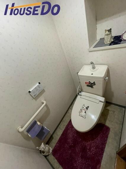 トイレ 洗浄便座になっておりますので、とても清潔にご使用いただけます。