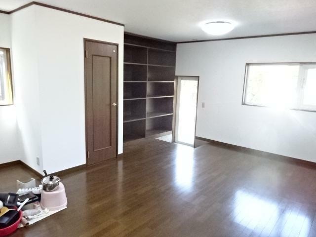 洋室 広々15畳洋室