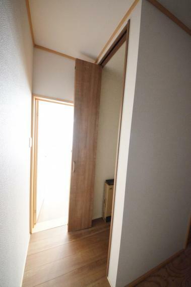収納 1階廊下収納