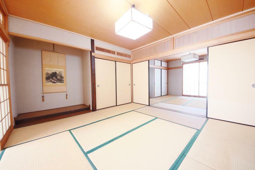 和室 2間続きの和室は、客間として、お子様のお昼寝スペースとしてお使いいただけます!