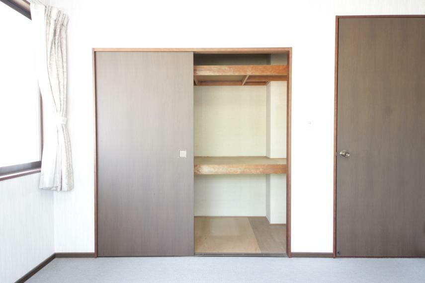 収納 洋室押入 部屋ごとに設けた収納は住みやすさへのこだわり。