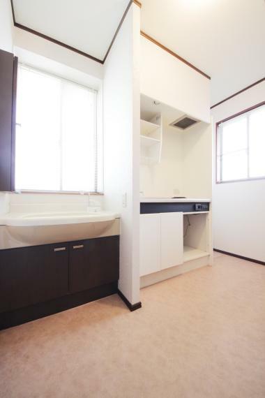 2階 洗面・キッチン