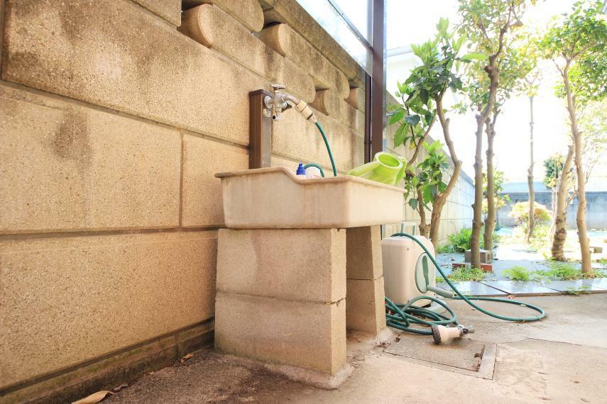 現況写真 外水栓 お庭の水やりや、洗車などに重宝します!