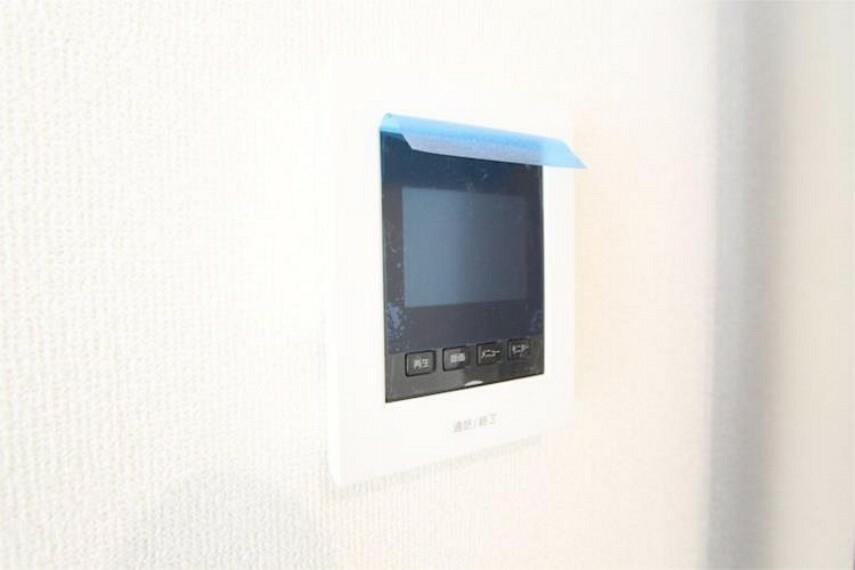 専用部・室内写真 TVモニター付インターホン付で、来客時に「お顔」が確認できるので防犯面も安心です!