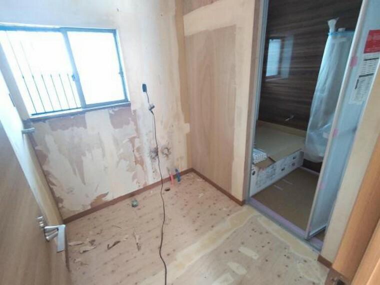脱衣場 【リフォーム中】洗面所の写真です。浴室は解体し、新品のユニットバスをこれから設置予定です。
