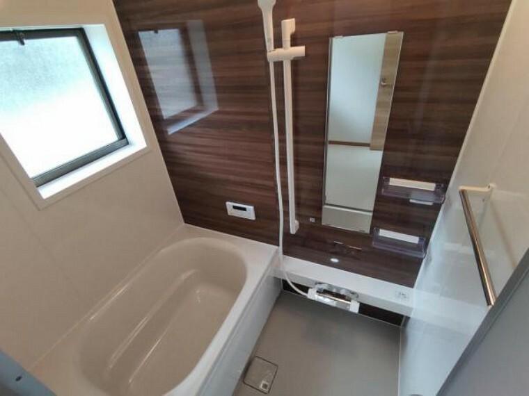 浴室 【リフォーム済】浴室の写真です。ハウステック製の1坪タイプユニットバスに新品交換をしました。