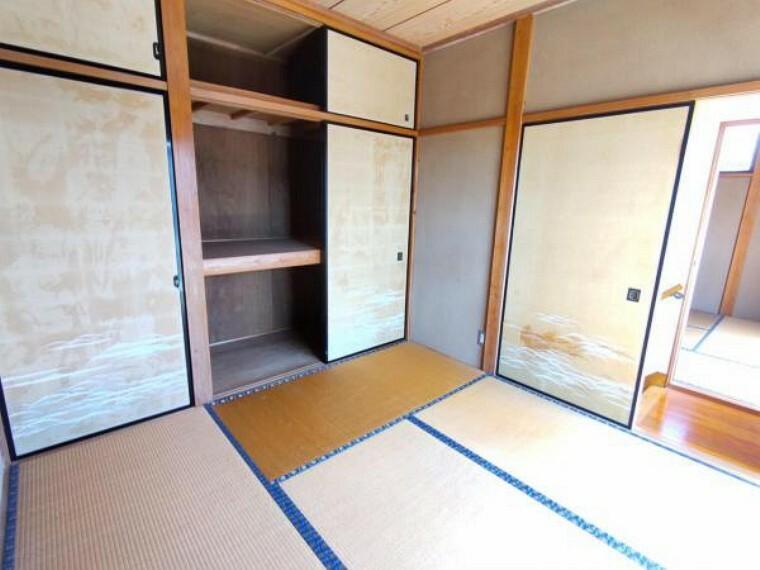 和室 【リフォーム中6/12撮影】2階の4.5畳和室です。こちらは押し入れを解体して5.5帖の洋室にリフォームする予定です。フローリングへの変更・クロスの張替えを行います。