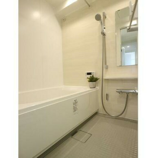 浴室 落ち着いた空間のお風呂です