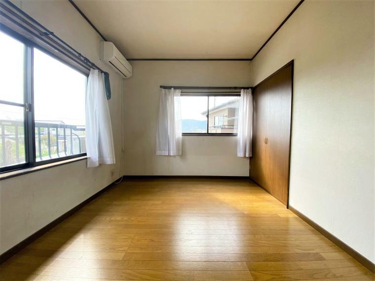 洋室 洋室6帖。光が部屋の奥にまで届く採光・通風に優れた心地よいお部屋。