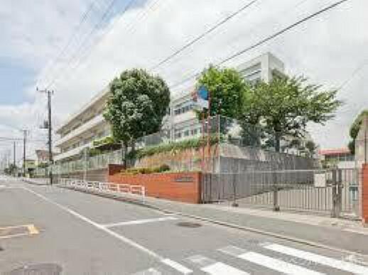 小学校 横浜市立丸山台小学校 学校教育目標:広い視野をもち、未来に向けてともに生きていく力を育てます。