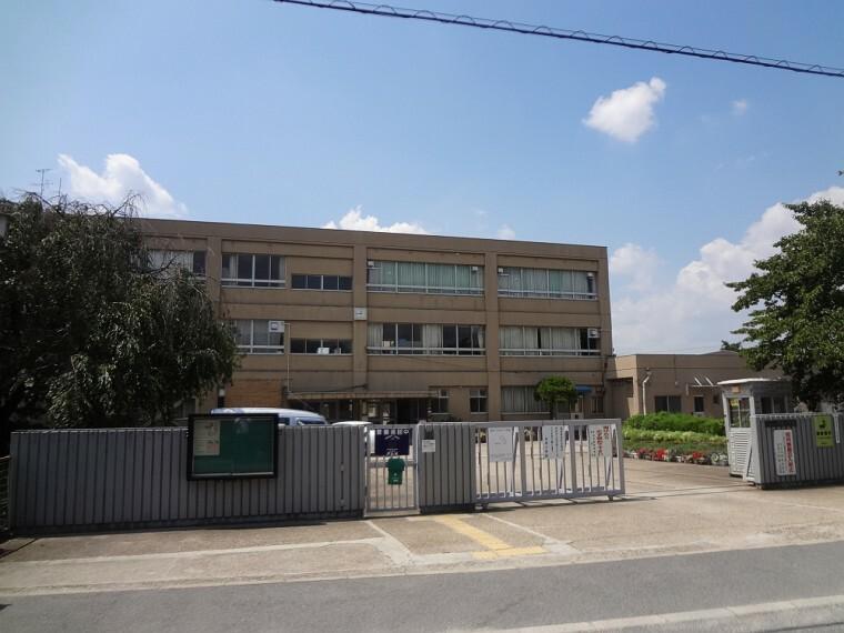 小学校 【小学校】岡屋小学校まで300m