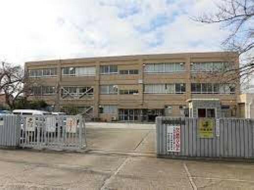 小学校 【小学校】岡屋小学校まで320m