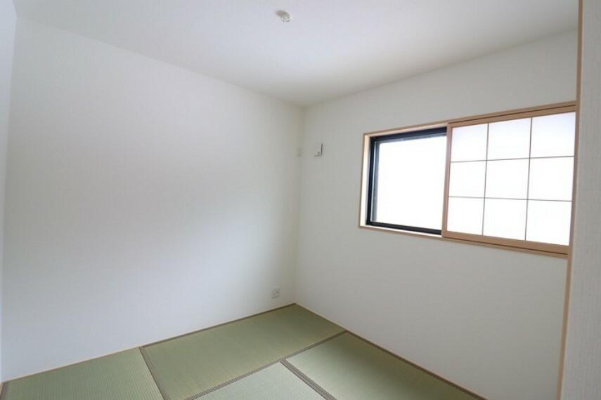 5畳納戸 タタミ仕様なので、和室としてもお使いいただけます。