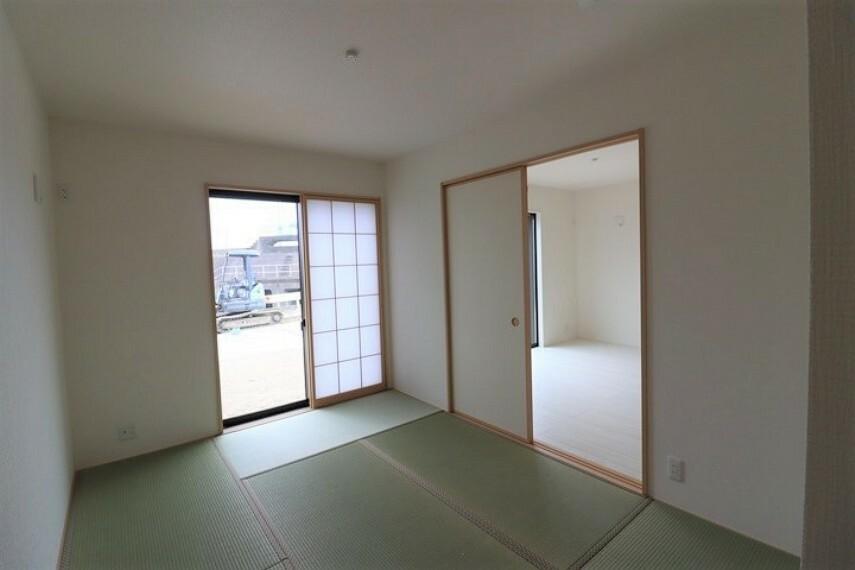 和室 6.5畳和室 急な来客時にも、柔軟に対応してくれる和室。 応接間として、お客様用の寝室としてお使いただけます。