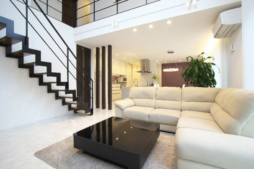 居間・リビング ご家族とのコミュニケーションが自然に取れるリビング階段