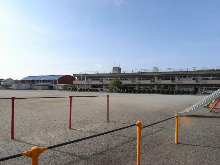 小学校 小山市立羽川小学校