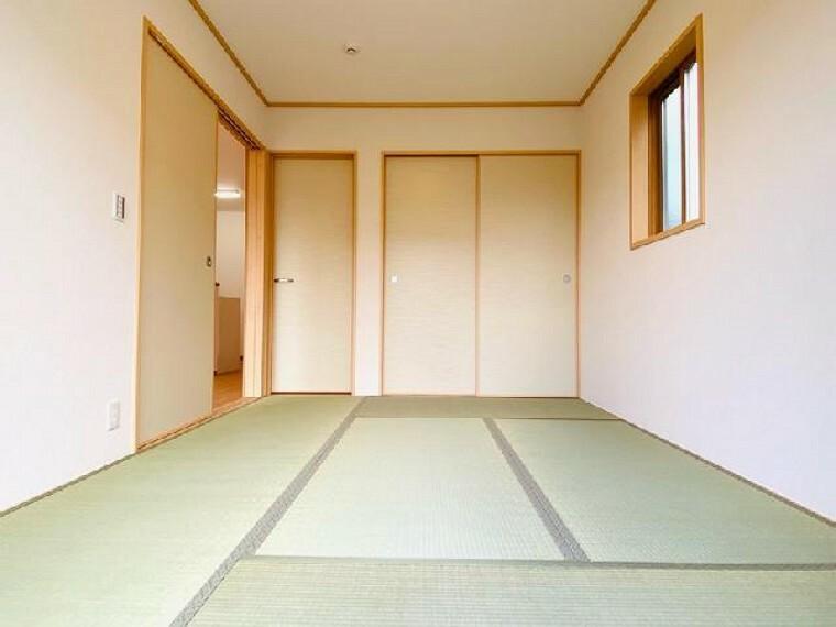 C号棟 和室~内覧できます~・・・お昼寝するも良し、子供の遊ぶお部屋として使うも良し、来客用の客間として使うも良し、和室は万能な居室ですね!