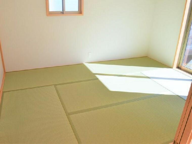 A号棟 和室~同仕様施工例~・・・お昼寝するも良し、子供の遊ぶお部屋として使うも良し、来客用の客間として使うも良し、和室は万能な居室ですね!