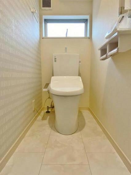 トイレ ●2号棟(撮影2021年8月)● 当日のご内覧も可能です!