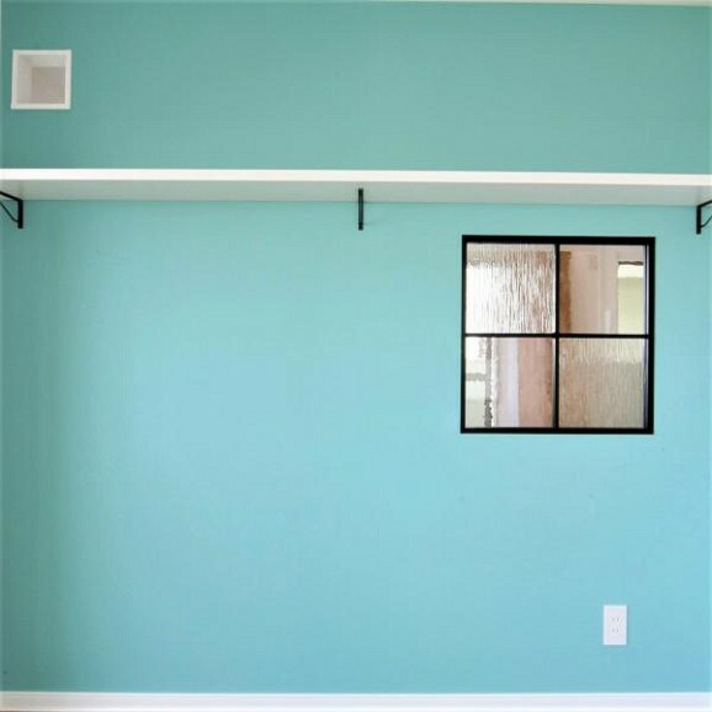 ~キャットウォークプラン例~飾り窓・棚設置、壁紙貼替(同一タイプ)工事費30万(価格に含みません)