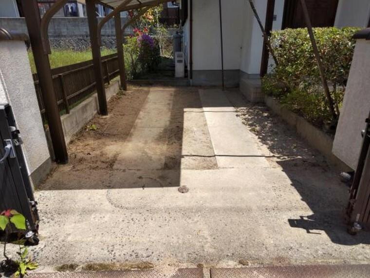 駐車場 既存の駐車場スペースです。この他追加にて駐車場2台分増設予定です。