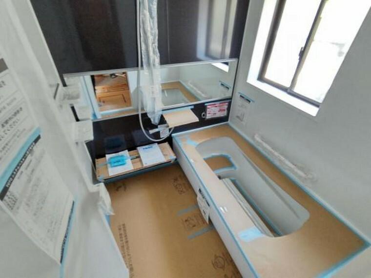 浴室 【リフォーム中】浴室はTOTO製のユニットバスに交換します。1坪タイプなので足を延ばしてゆったり半身浴ができ、一日の疲れを癒すことができます。