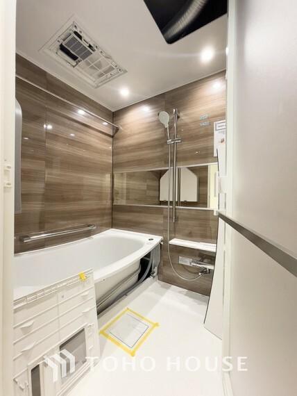 浴室 「リフォーム済・浴室」ユニットバスを新しく入れ替えしております。もちろん、追い炊き給湯器・浴室乾燥機付きで快適なバスルームになっています。