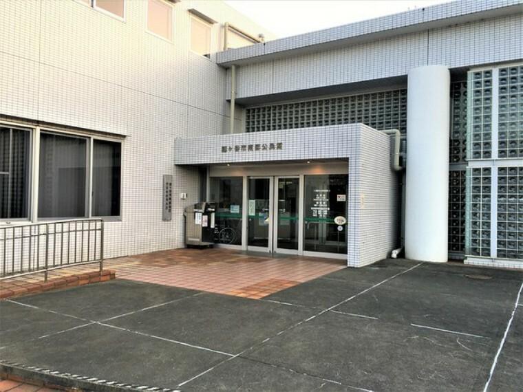 役所 鎌ケ谷市南部公民館 自主グループや老人会・自治会・PTAなど、社会教育法の目的にそった活動の場合、有料で利用できます。