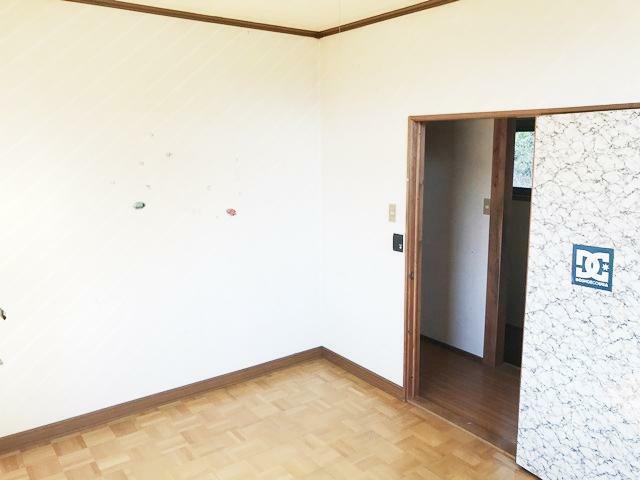 洋室 2F6帖(右側)