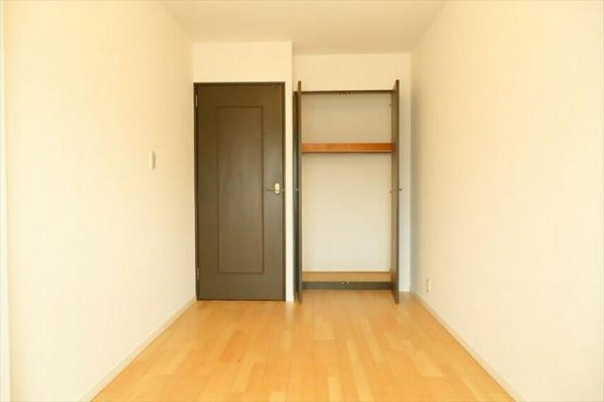 収納 各居室にクローゼットがあり、洋服ダンスなどを置く必要がないのでお部屋を広く使えます。