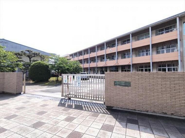 小学校 観音寺市立柞田小学校まで 2600m、徒歩33分です。