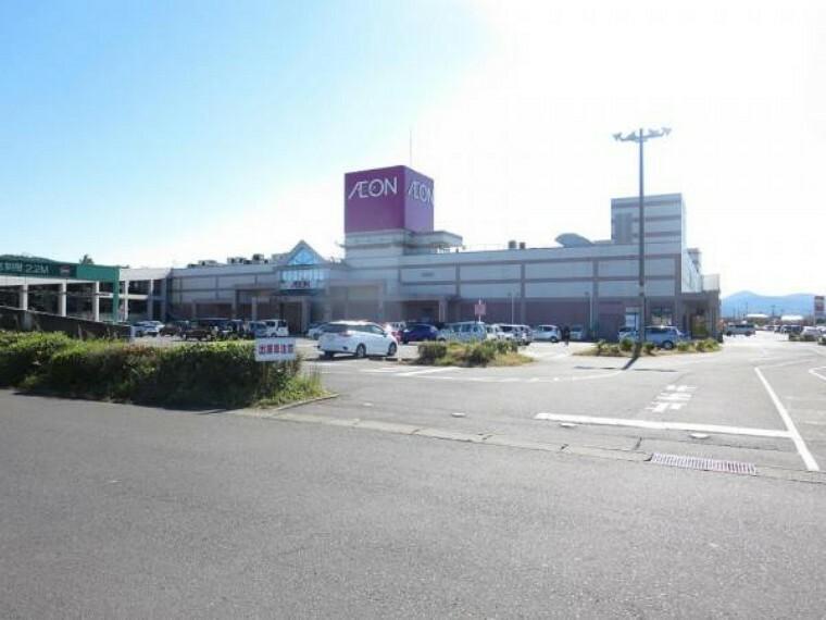 ショッピングセンター 【近隣施設/ショッピングセンター】イオン笠間店様まで2.6km(車6分)。大抵の用事はここで済ませられますね。