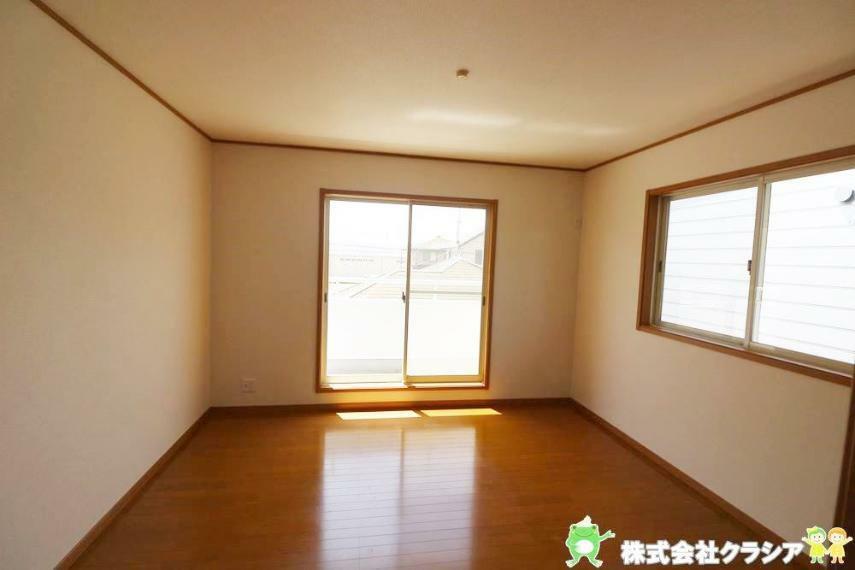 洋室 南側8帖の洋室です。家族それぞれが安らげるプライベートルームです(2021年4月撮影)