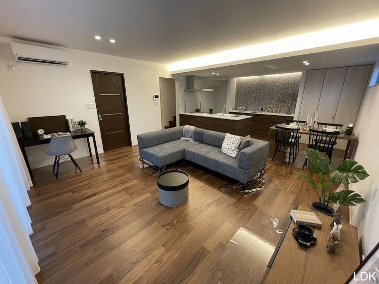 居間・リビング 8号棟LDK(2021年8月撮影)