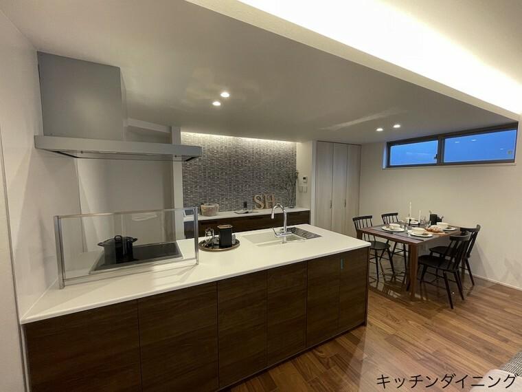 キッチン 8号棟キッチンダイニング(2021年8月撮影)