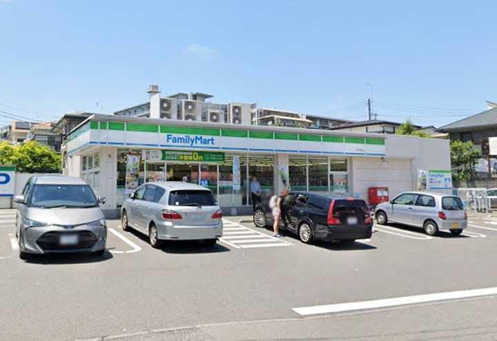コンビニ ファミリーマート市沢町店