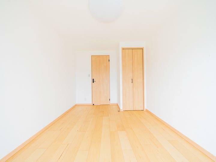 洋室 各洋室に収納が付いています。