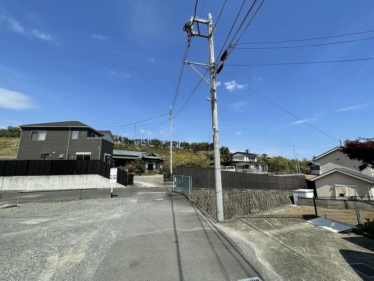 現況写真 ライフラインは公営水道・公共下水をご利用いただけます。