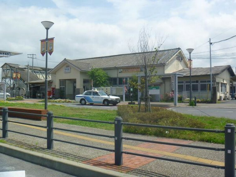 JR鹿児島本線「荒尾」駅まで800m。近隣に駅があると便利ですね。