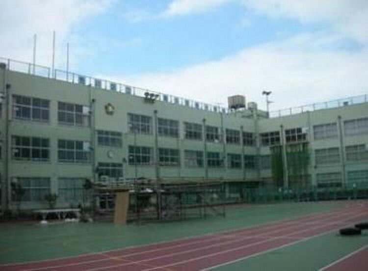 小学校 荒川区立尾久宮前小学校 徒歩10分。