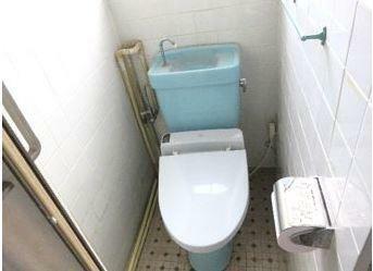 トイレ トイレは洋式・和式の2ヵ所にあります。