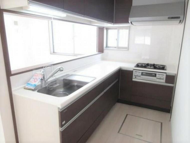 同仕様写真(内観) \同仕様写真/食器洗浄器付きのシステムキッチン!