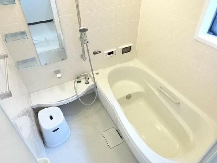 同仕様写真(内観) \同仕様写真/充実設備万歳の浴室で快適なバスタイムのひと時を