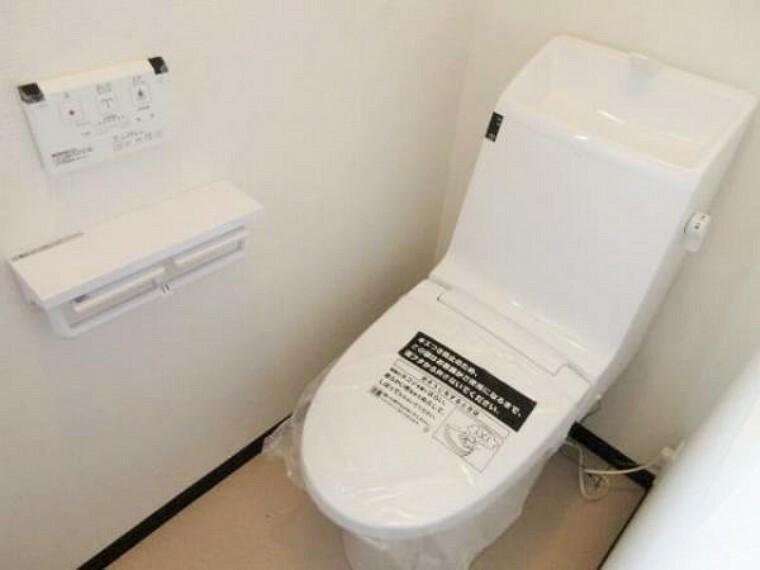 同仕様写真(内観) \同仕様写真/各階ウォシュレット付トイレ完備で快適ですね