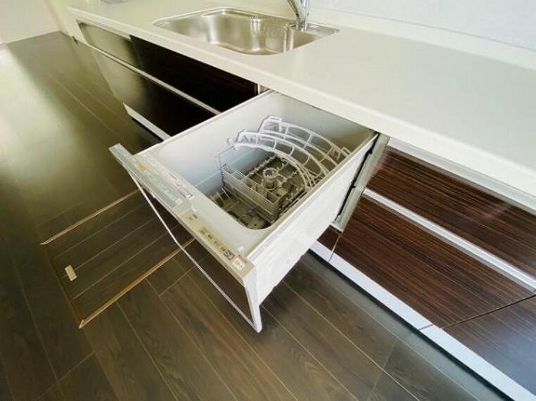 同仕様写真(内観) \同仕様写真/手荒れの心配なく使える食洗機付き!