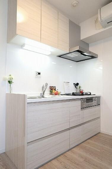 キッチン お料理に集中できる、独立感のあるキッチン(同仕様のキッチン画像)