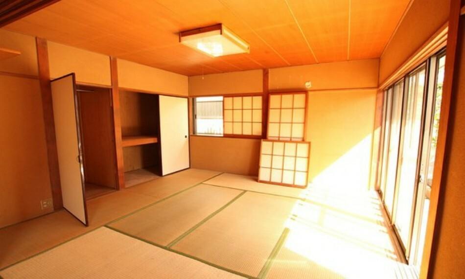和室 お子様の遊びスペースにもなるタタミコーナー