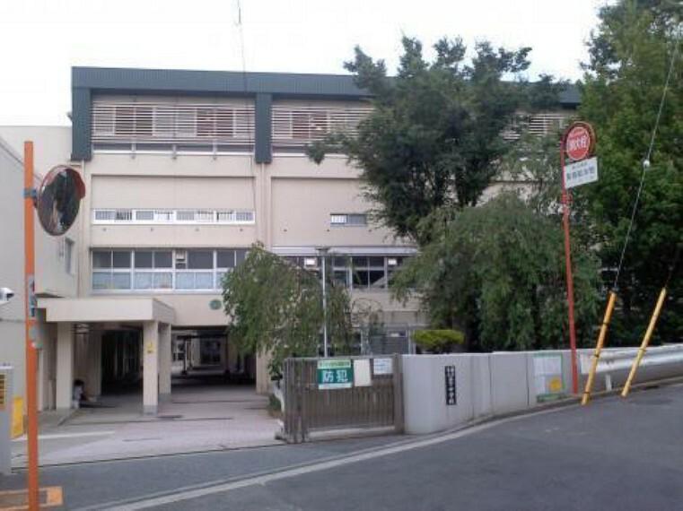 中学校 横浜市立笹下中学校 学校教育目標:自立 自ら学び、共生 互いを支えあい、創造 未来を創る笹中生