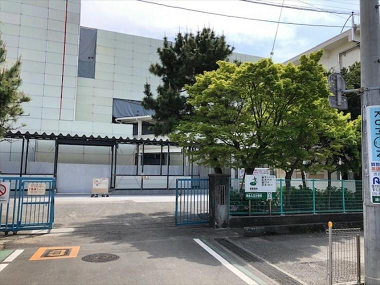 小学校 清水入江小学校(約460m・徒歩6分) 「チャレンジ」を重点目標に、一人一人が「チャレンジャー」になって、笑顔あふれる学校づくりを推進しています。