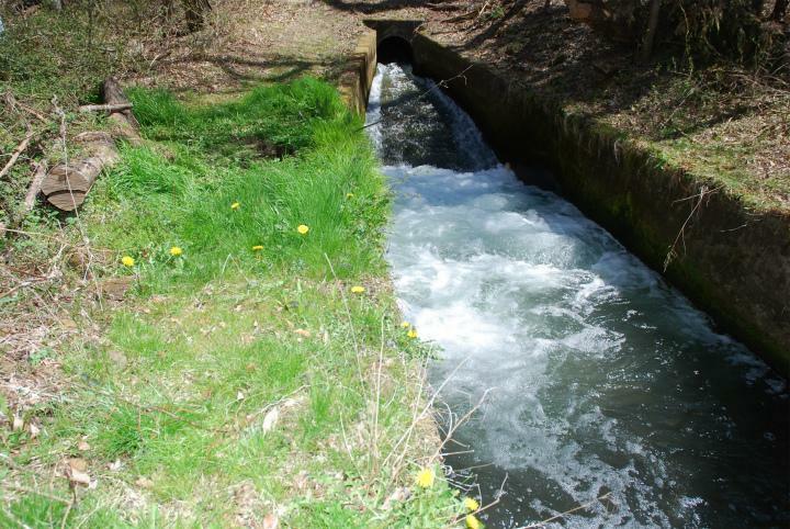 北西側水路